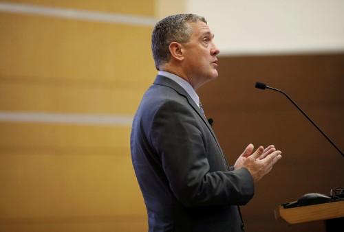 Буллард из ФРС видит необходимость в продолжении смягчения политики -- CNBC