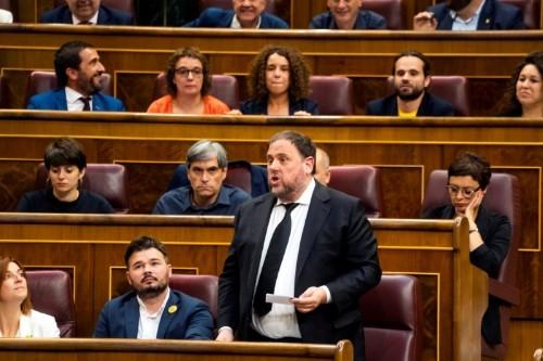 EU parliament stops recognizing jailed Catalan separatist as lawmaker