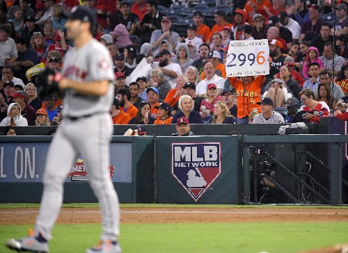 Verlander gets 3,000th K, Astros clinch home field