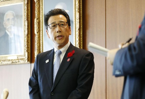 Tale of 2 Cities: Sapporo likes race move; Tokyo not much