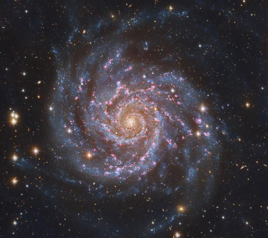 GalaxiaM74