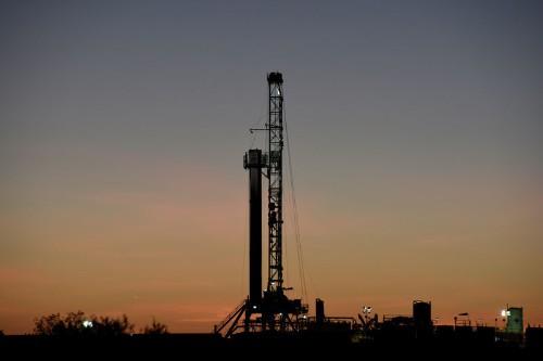 """На рынке нефти """"удовлетворительный"""" уровень предложения - МЭА"""