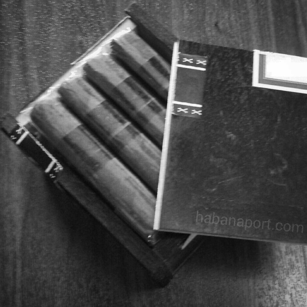 The Viaje Skull & Bones M?stery 2015 cigar measures 4.5x56 and is a Nicaraguan puro. Only 300 boxes made. www.habanaport.com
