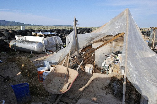 5 suspects at New Mexico compound face terror charges