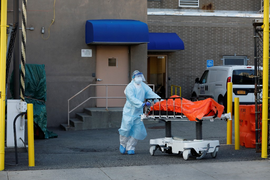 New York state reports 594 coronavirus deaths in past 24 hours