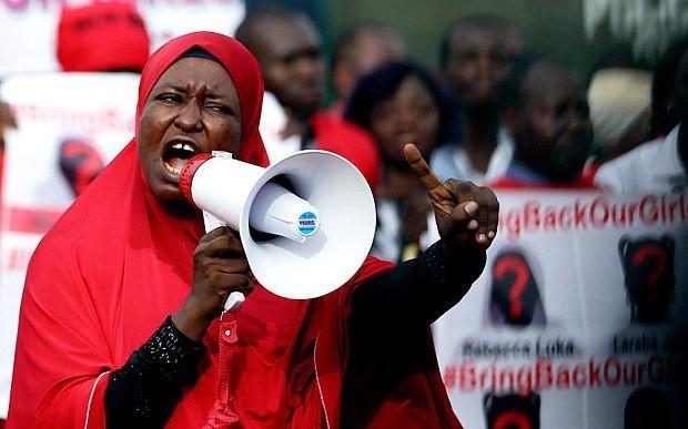 Boko Haram 'abducts dozens more Nigerian girls'