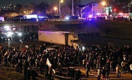 Thousands rally across US after Ferguson decision