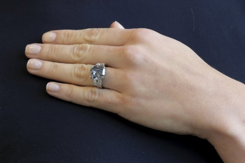 Former child star Shirley Temple's rare blue diamond ring to be auctioned