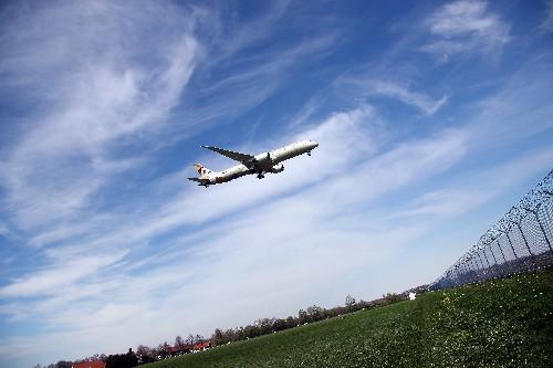 Boeing-Gewinn bricht nach Flugverbot für 737 MAX ein