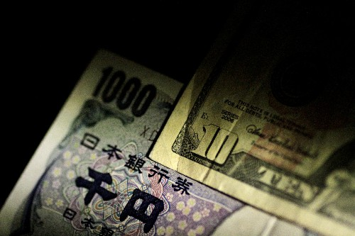 Yen soars as virus spread sparks stampede to safety