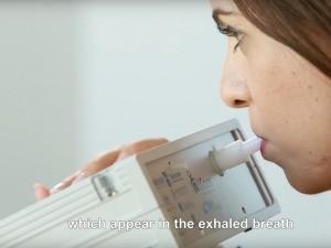 アルコール検査みたい!?息でガンを判断できる装置「artificially intelligent nanoarray」