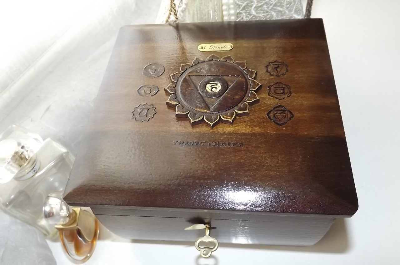 chakra lockable wooden box. #throat_chakra #chakras_symbols #i_speak #spiritual #spirituality #chakras #metaphysical