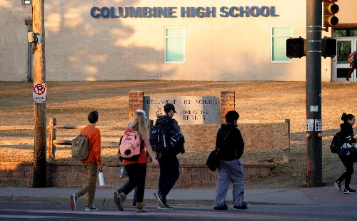 In campaign against gun violence, Columbine students aim to shock with final photos