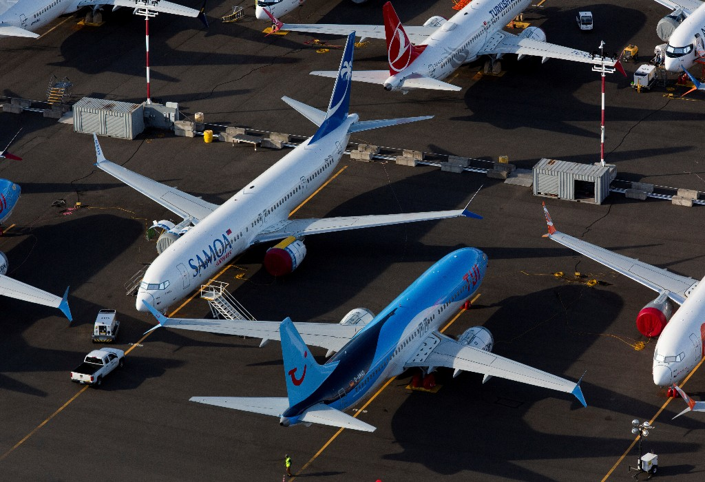 Exclusive: FAA employees report industry pressure, question agency safety push - survey