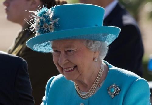 Pakistan court filing asks British queen to return Koh-i-Noor diamond