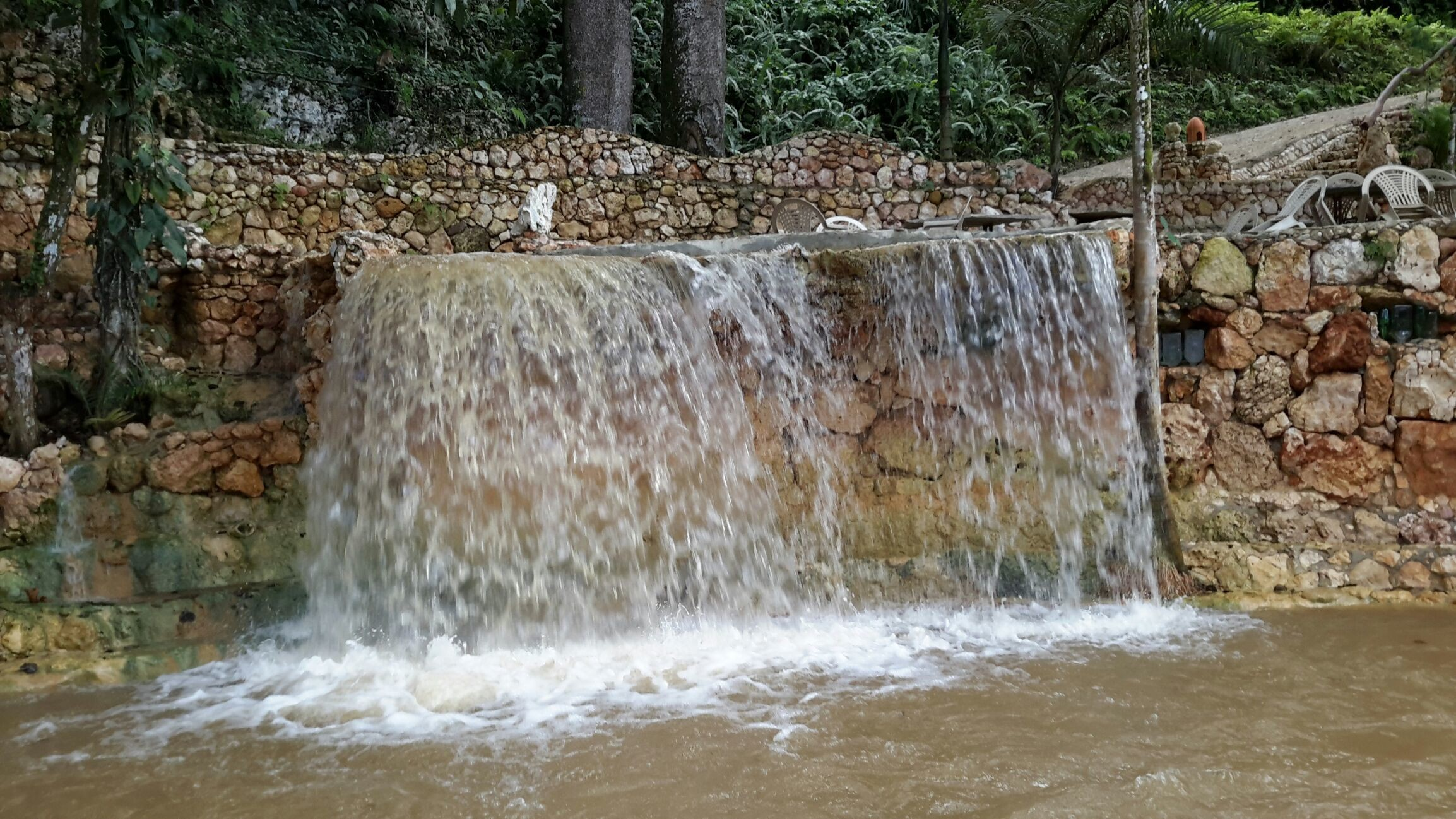 disfruta de nuestras maravillosas cascadas con caida de agua libre
