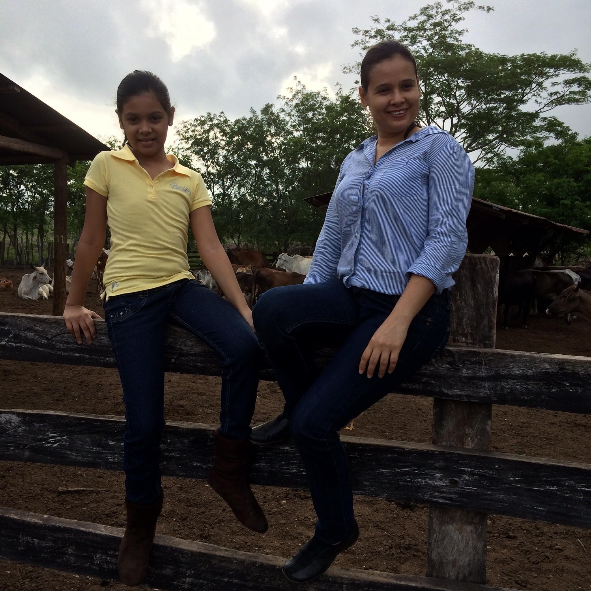 La Familia en Julio 2014 Visitando la Hacienda en San Lorenzo