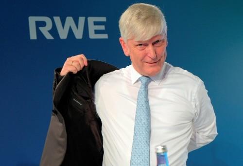 RWE-Chef Schmitz deutet für 2021 Rückzug an