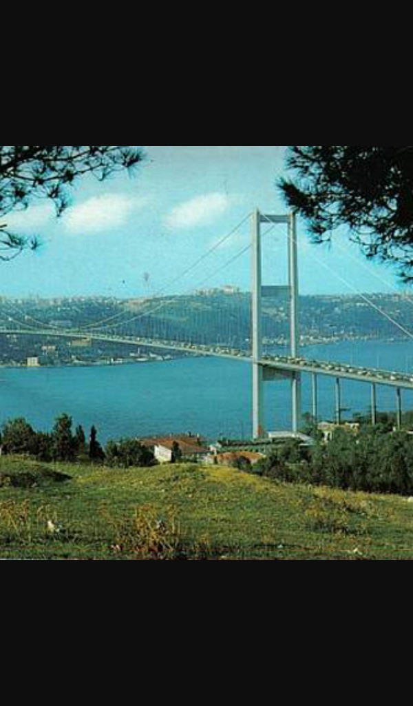 İSTANBUL - Magazine cover