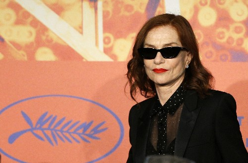 """An understated Huppert anchors bittersweet family drama """"Frankie"""""""