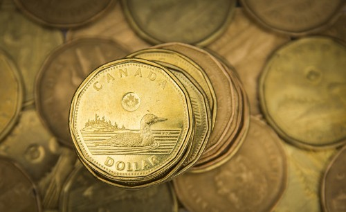 Canadian dollar holds near 11-week high as oil prices climb
