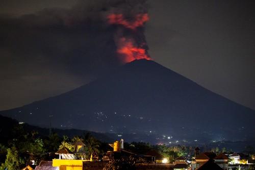 Volcano in Bali Erupts: Pictures