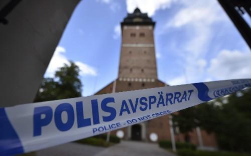 Main suspect in Sweden's royal jewels heist confesses