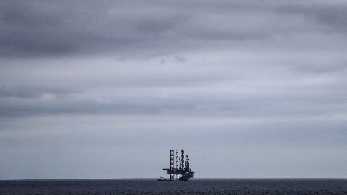 As traders tussle over tankers, Turkmenistan slashes oil exports