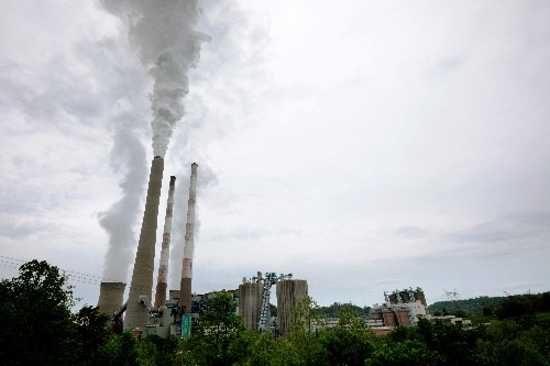 U.S. senators target $1 billion a year coal subsidy, ask IRS for test results