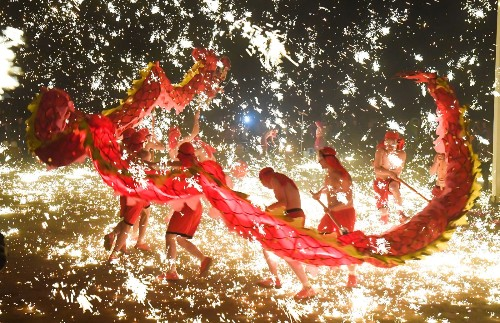 Lantern Festival Ends Lunar New Year Celebrations: Pictures