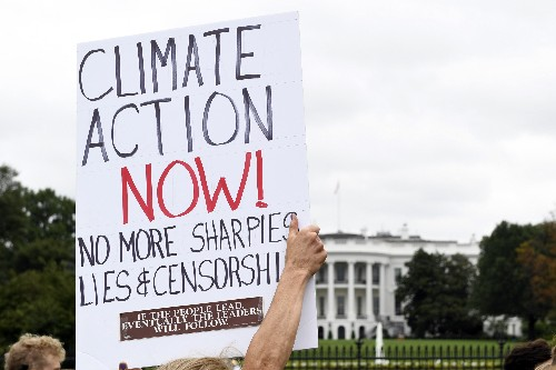 Big global climate protests on Friday get union support