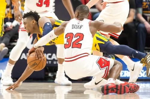 Mitchell helps Jazz rally past Bulls