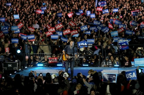 Final Stops on the Presidential Election Trail: Pictures