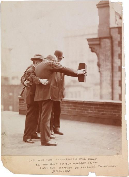 Selfie - cover