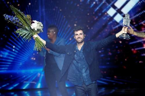 Les Pays-Bas remportent l'Eurovision, la France quatorzième