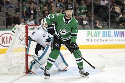 Anaheim trades left wing Cogliano to Stars, acquires center Shore