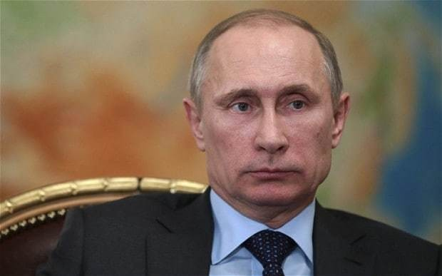 Russian economy in turmoil as Putin is battered by falling oil price and sanctions