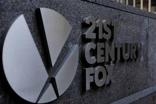 Fox's formal bid opens final chapter of Sky battle with Comcast