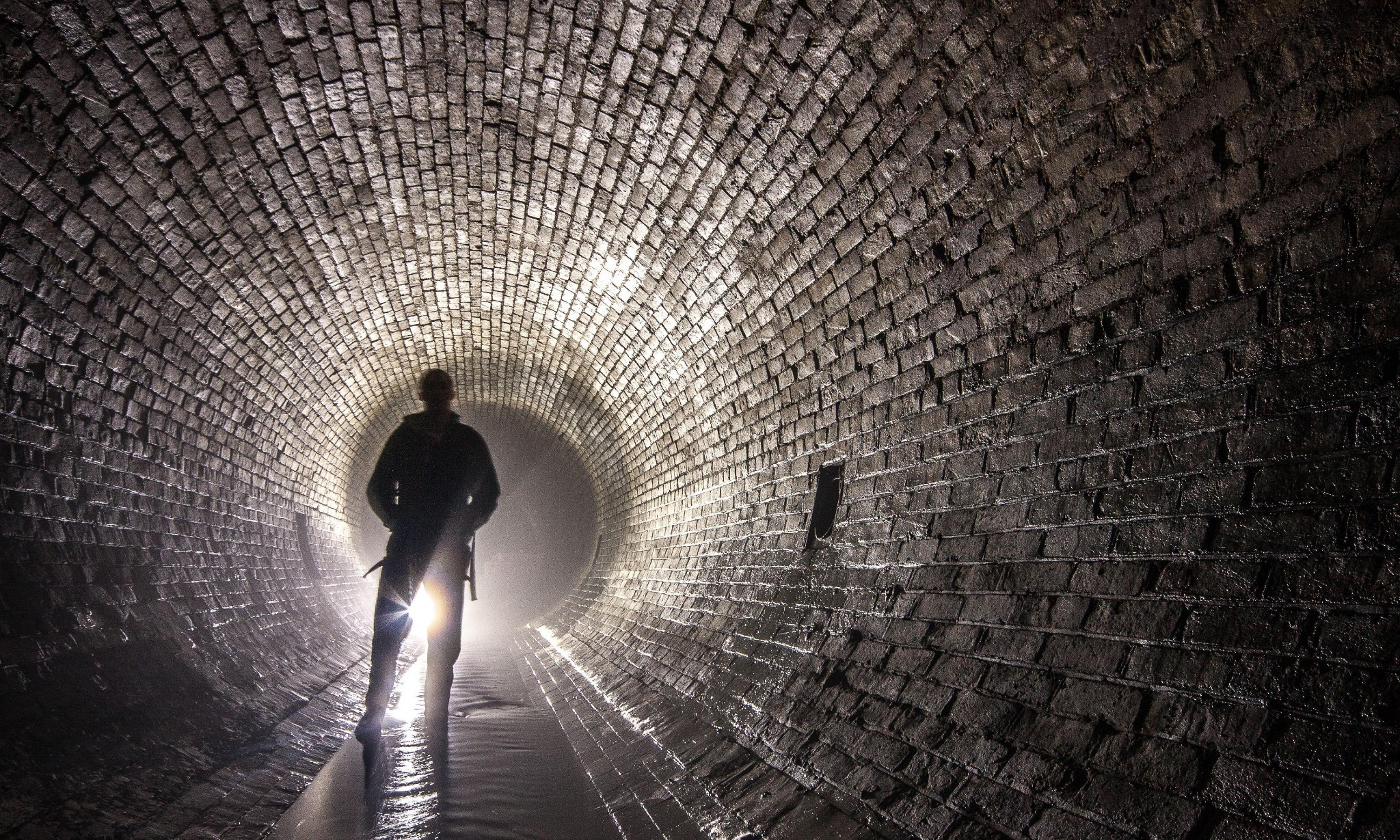 Story of cities #14: London's Great Stink heralds a wonder of the industrial world