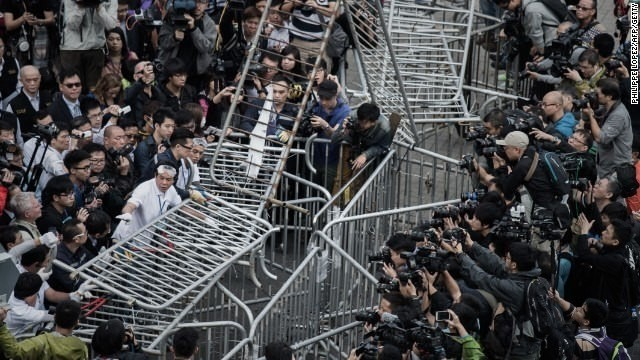 Hong Kong authorities start to clear section of pro-democracy protest site