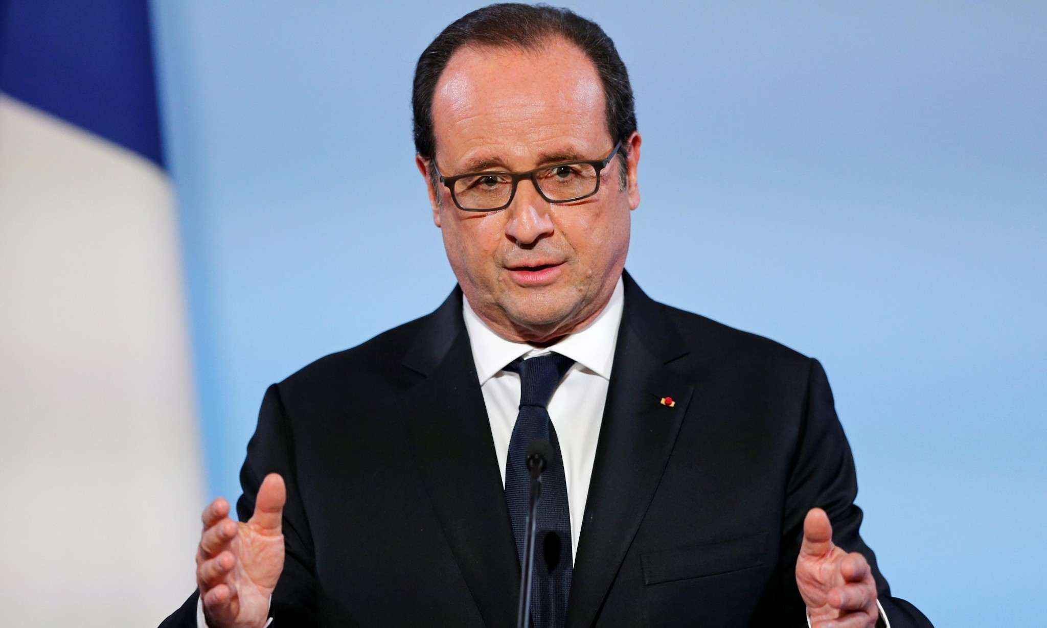 François Hollande pardons woman for murder of husband