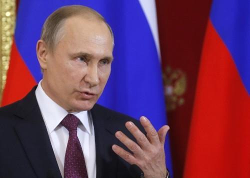 Putin offers transcript to prove Trump did not pass Russia secrets