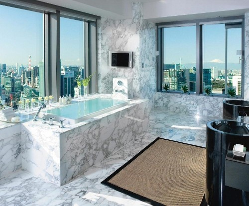 Soak In The Sights: Five Hotels In Asia With Unbelievable Bathtub Views