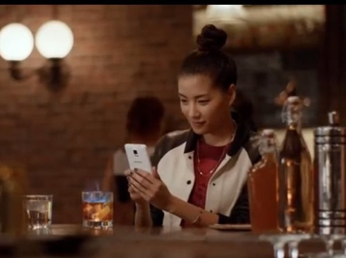 Here's Proof That Samsung Owners Are Happier With Their Phones Than iPhone Owners