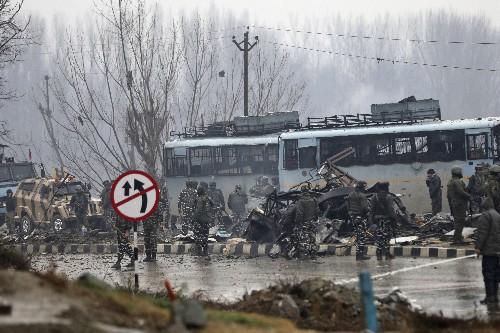 Car bomb kills at least 33 Indian soldiers in Kashmir