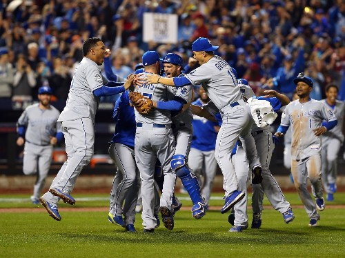 Royals Win Game 5 in 12, Clinch World Series: Pictures
