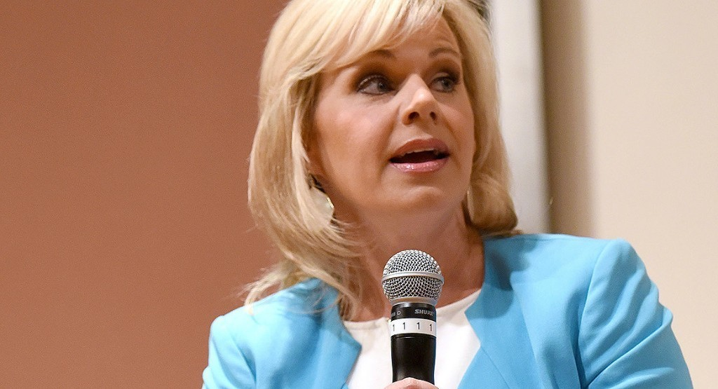 Report: Fox to settle with Gretchen Carlson over sexual harassment claims