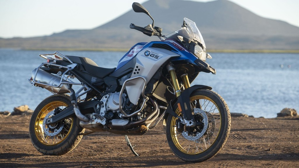 2020 BMW F 850 GS Adventure Review | MC Commute