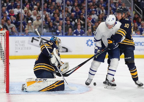 Sabres blitz Maple Leafs in 3rd for third straight win