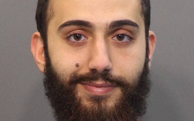 Chattanooga shooter sent text message declaring war